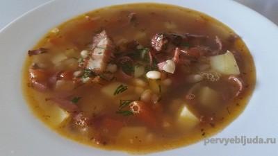 суп с салом и фасолью