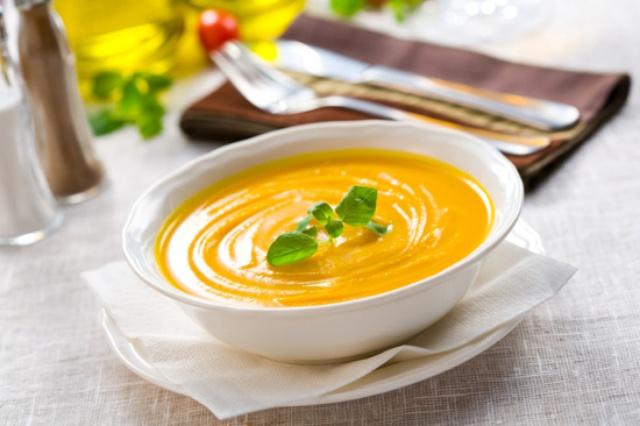 Суп-пюре из тыквы со сливками и имбирем