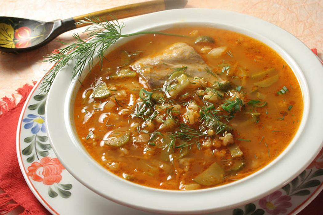 Рассольник с курицей и рисом— вкусное первое блюдо