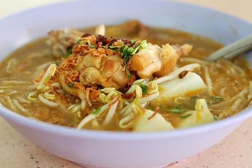 Вкусный суп с домашней лапшой и курицей