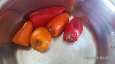 перец в кастрюле
