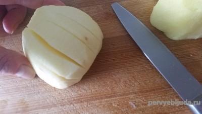 яблоко разрезанное