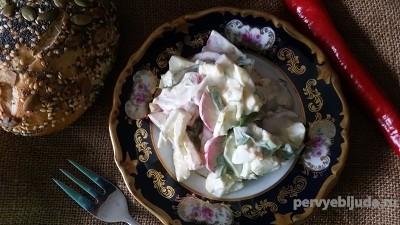 салат с огурцом и редисом