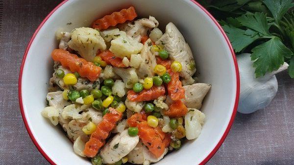 филе курицы с замороженными овощами