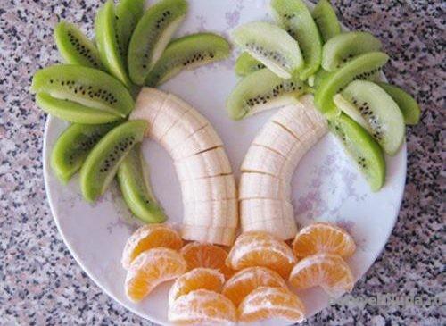 пальма из фруктов