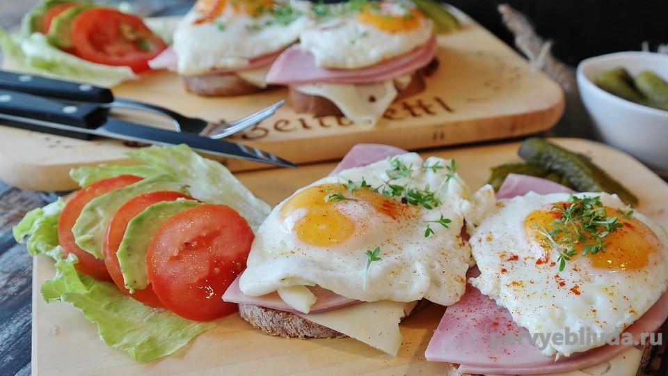 Бутерброды с яичницей— подборка самых вкусных и оригинальных!