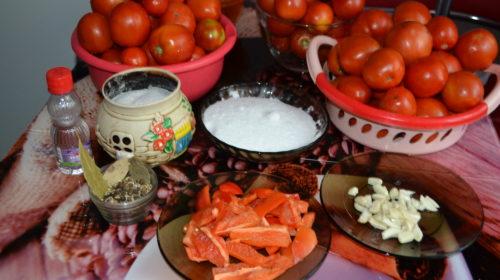 ингредиенты для консервирования помидоров