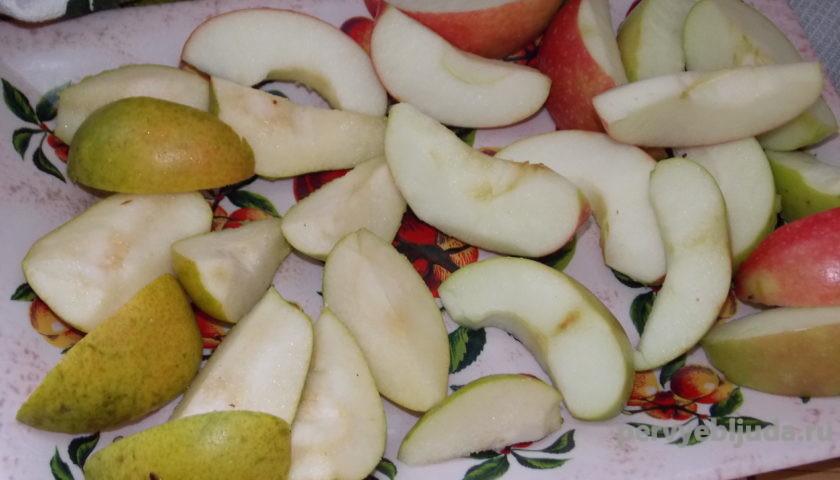 дольки яблок и груш