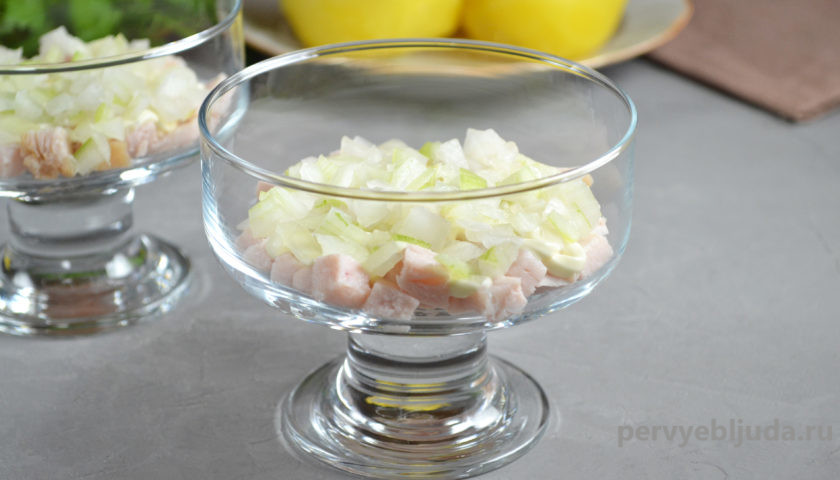 делаем слоеный салат