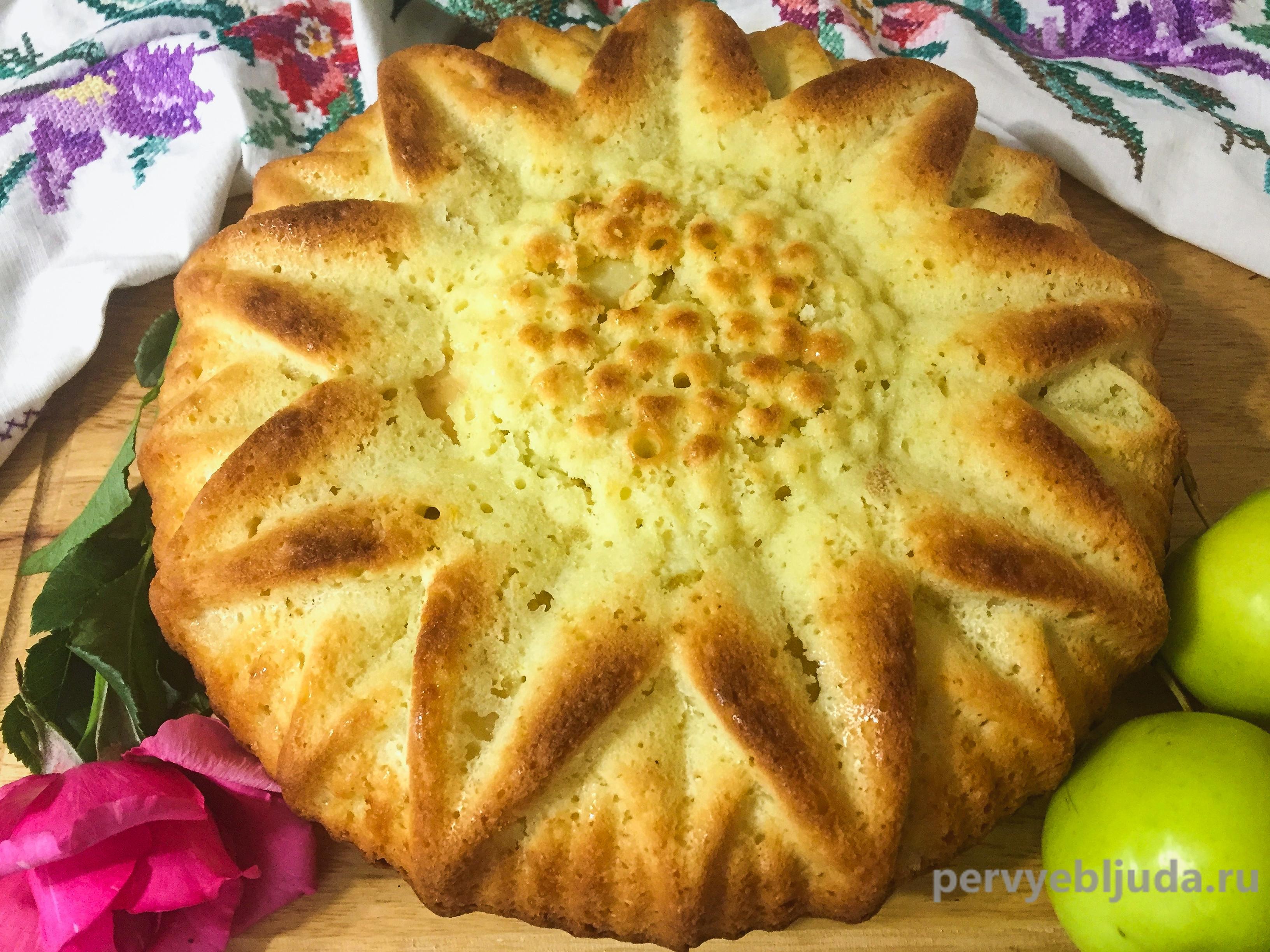 быстрый пирог с яблоками