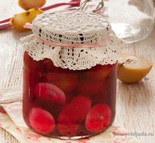 помидоры со свеклой и яблоком