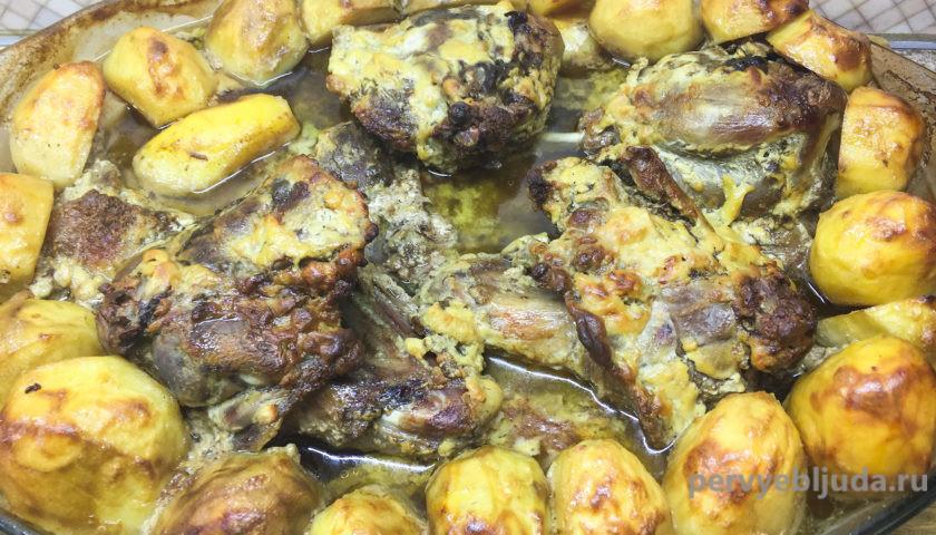 запеченная утка с картофелем