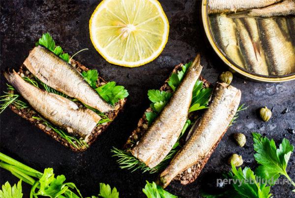 Праздничные бутерброды со шпротами— как оформить и как подать!