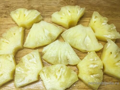 кусочки консервированного ананаса