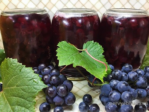 банки с виноградным компотом