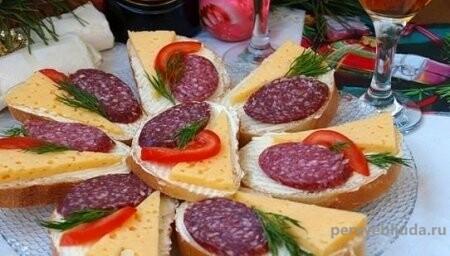 бутерброды с сыром и колбасойзакусочные бутерброды