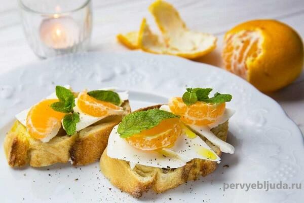 бутерброды с сыром и мандаринами