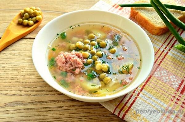 суп с говядиной и горошком