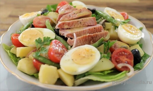 Салат с тунцом «Нисуаз»