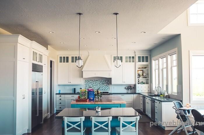 Как правильно расставить технику на кухне: несколько проверенных рекомендаций