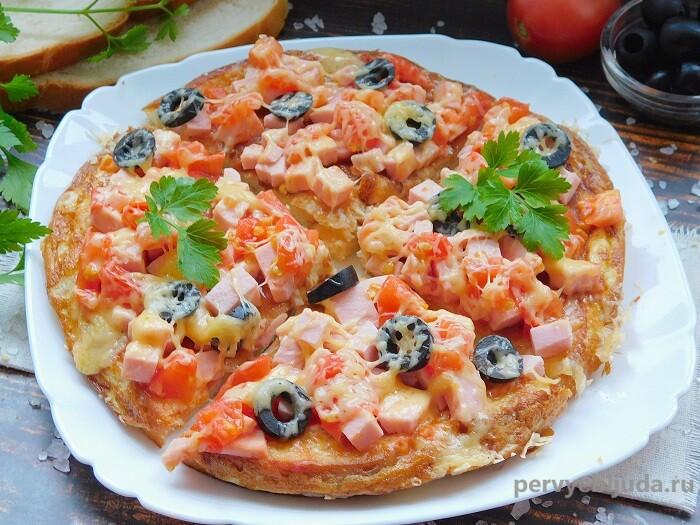 нарезанная пицца