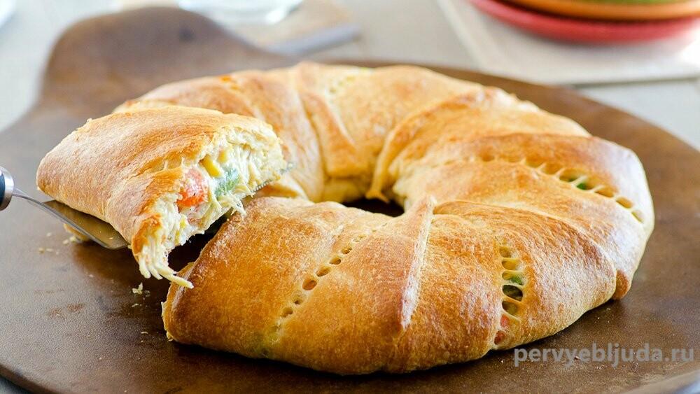 Пирог-кольцо с мясом: и красиво и вкусно!