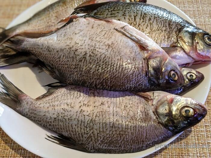 свежая речная рыба