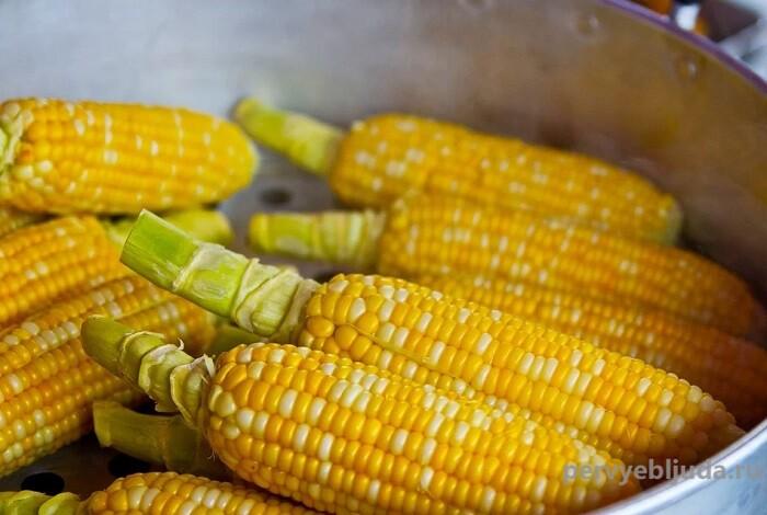 Как сварить вкусную кукурузу в початках