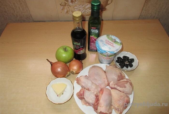 ингредиенты для запекания бедер курицы