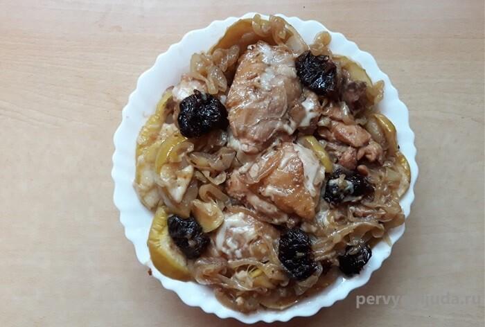 Как запечь бедра курицы в духовке с фруктами