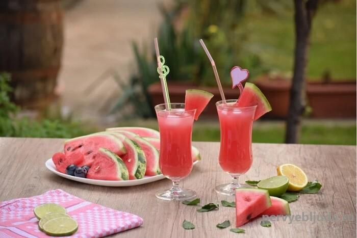 Вкусный напиток из арбуза и лимона