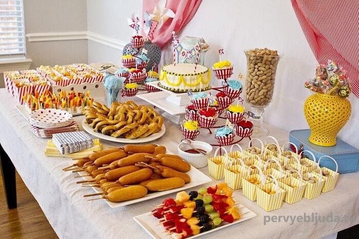 детский фуршетный стол на день рождения