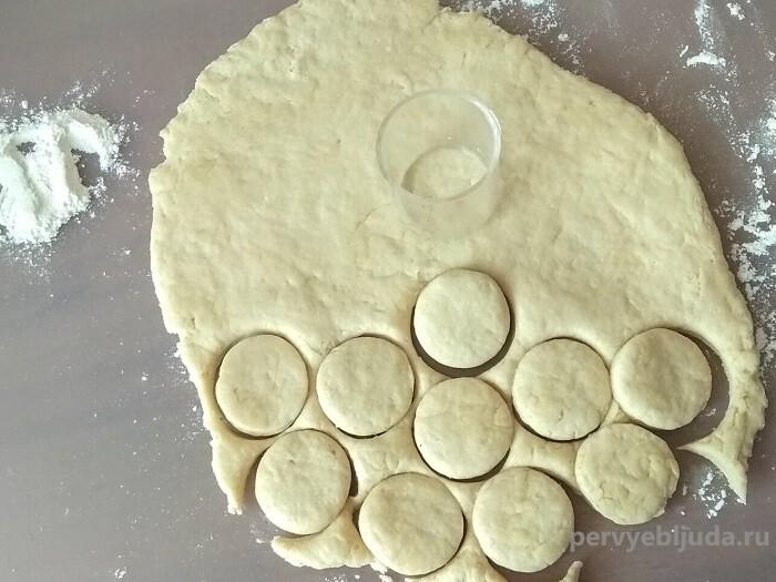 формируем печенье на сметане