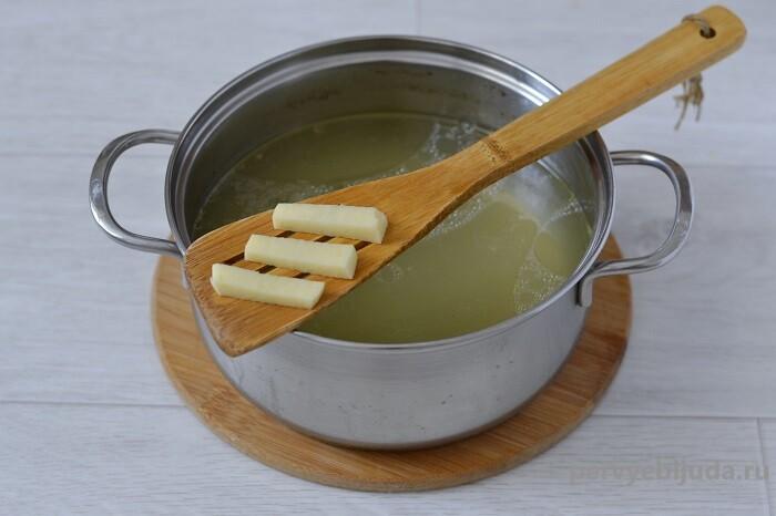 закидываем картофель