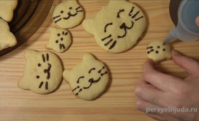 украшаем печенье тигрята